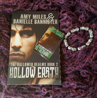 hollow earth giveaway